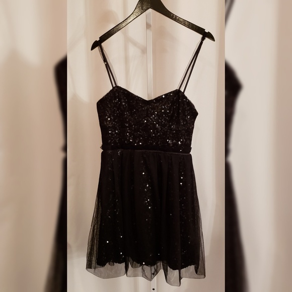 French Connection Dresses & Skirts - French Connection Black tulle and sequin dress